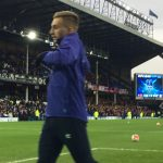 Deulofeu runs over to the Gwladys Street