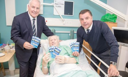 joe-royle-83-year-old-eddie-omalley-stockbridge-village-and-graeme-sharp-enjoy-the-new-eitc-scratch-card