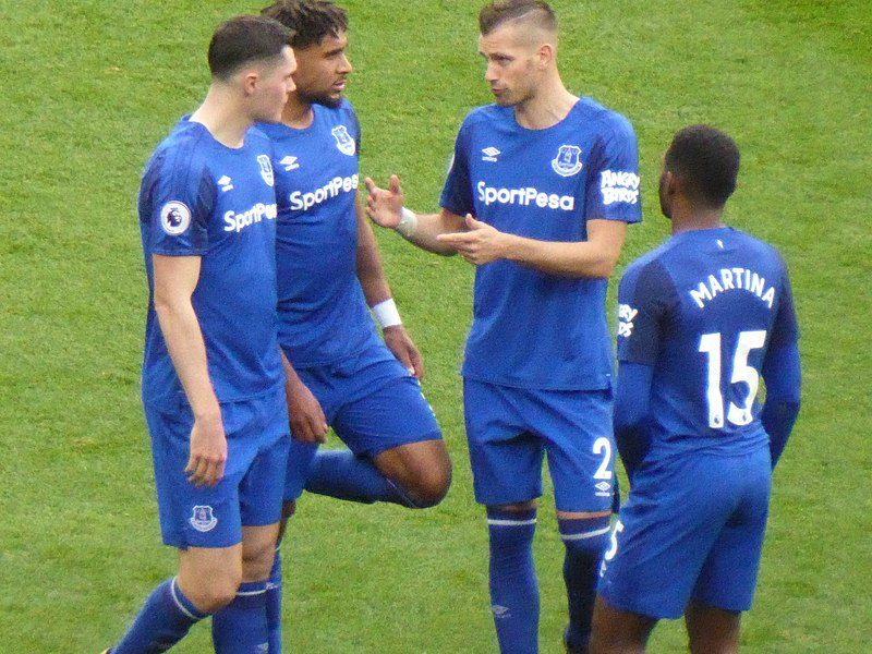 800px-Manchester_United_v_Everton,_17_September_2017_(21)
